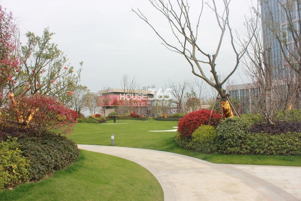 环秀湖花园示范区实景2015.4.20