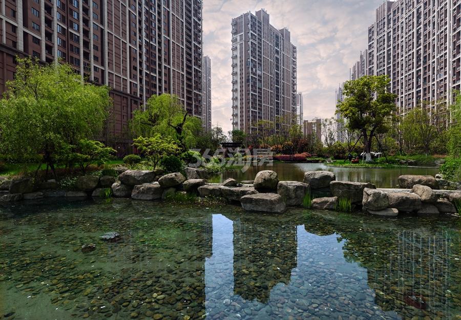 越秀星汇城景观水系实景图 2015年10月摄