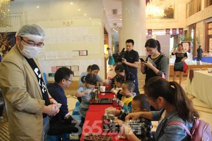 白金湾甜品节巧克力DIY活动