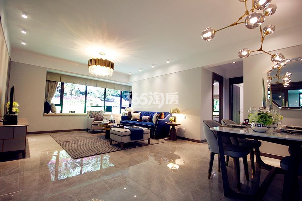 雅居乐国际花园二期128方样板房——客厅全景