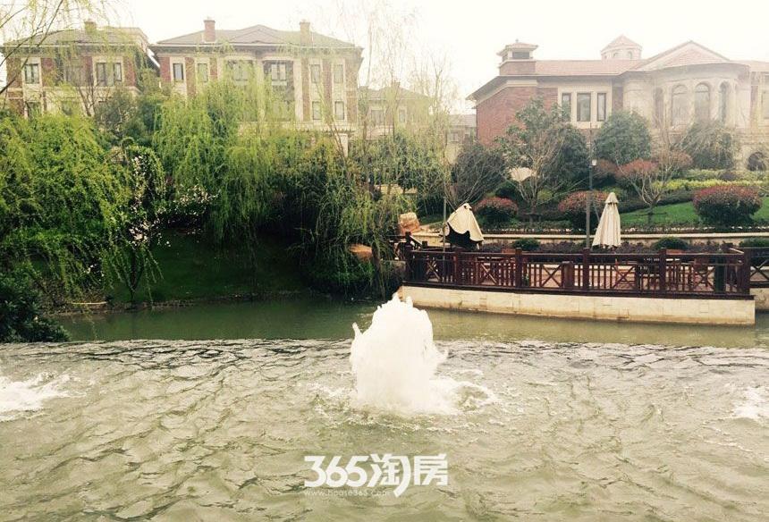 保利西山林语小区喷泉实景图(2017.6)